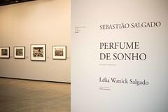 Esposio Perfume de Sonho - Sebastio Salgado (CarolKurcis) Tags: brasil quadros exposio 2016 registro documentao tomieotahke carolinakurcis exposiosebastiosalgado carolinakurcisgonzales