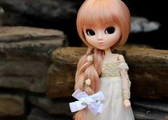 (Dolls-and-Tea) Tags: pullip hello kitty sanrio rewigged obitsu leekeworld leeke world