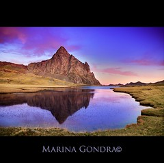 El Anayet (Marina Gondra) Tags: sunset sky mountain lake reflection clouds marina sunrise landscape peak pirineos ibon pyrinees anayet gondra marinagondra guillermocasas