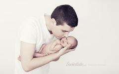 Swietliste-fotografia-dziecieca-noworodkowa-tata-noworodkiem-Torun