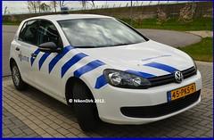 Dutch Police VW. (NikonDirk) Tags: holland netherlands dutch vw golf volkswagen foto police gelderland politie hulpverlening nikondirk 45pks9