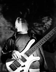 en La Tabacalera I (escael) Tags: madrid bw españa blancoynegro rock teatro 50mm spain gente retrato concierto guitarra nikond50 personas retratos música joven individuos latabacalera