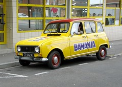 Renault 4L Banania (gueguette80 ... Définitivement non voyant) Tags: old cars renault autos 4l amiens picardie banania somme anciennes françaises