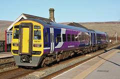 DMU at Garsdale (PJ Reading) Tags: uk england countryside diesel class commuter passenger carlisle 158 settle dmu garsdale northernrail