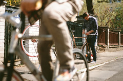 Assembly (aermiks) Tags: street bike bicycle nikon fuji prague gear riding pro czechrepublic fujifilm fixed fixie f4 400h
