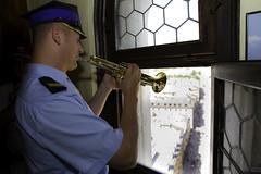 Trumpeter @ St. Mary's Church (alexknip) Tags: krakow kraków stmaryschurch trumpeter krak kroke małopolska hejnałmariacki krakowie maopolska krak—w heynal stmarysdawn hejnamariacki
