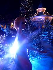 Elsa LE Disneyland Paris (madeye_pika) Tags: frozen doll disney limitededition elsa disneystore