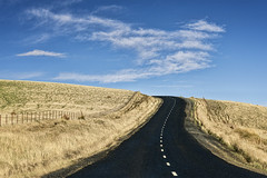 Angel road (Ian@NZFlickr) Tags: road sky cloud country nz otago blacktop
