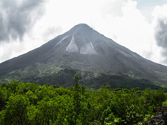"Parc National Arenal: le volcan Arenal <a style=""margin-left:10px; font-size:0.8em;"" href=""http://www.flickr.com/photos/127723101@N04/26807146342/"" target=""_blank"">@flickr</a>"