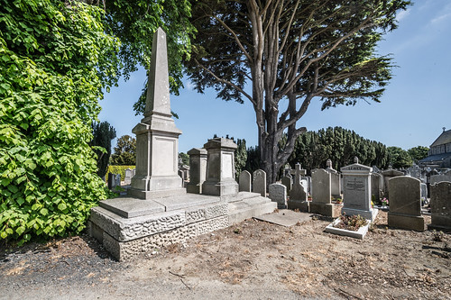 MOUNT JEROME CEMETERY AND CREMATORIUM IN HAROLD'S CROSS [SONY A7RM2 WITH VOIGTLANDER 15mm LENS]-117104