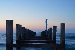 Rob Mulholland  Sea Daughter  Objektiv: Sony FE 50mm 1.8 (franz-wegener.de) Tags: sculpture art statue strand olympus installation bluehour zingst blauestunde sonya7 sonyfe50mmf18 fotokunstpfad