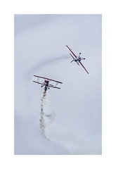 Pitts & Extra 260 (Tnio) Tags: flying spirit meeting airshow ciel nuage extra 260 pitts arien voltige biscarrosse fum