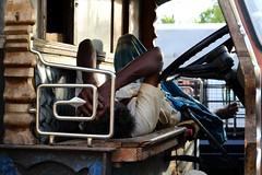 Il riposo prima della ripartenza #insolitamente (#Insolitamente00) Tags: travel sunset people work canon relax market riposo camion srilanka colori viaggio dambulla emozioni canon50mm canon100d canonofficial