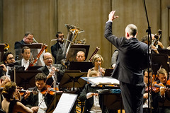 Colli-Thomson_12 (Cicero Rodrigues) Tags: brazil piano orchestra classicalmusic osb msicaclssica orquestrasinfnicabrasileira braziliansymphonyorchestra federicocolli neilthomsonconductor