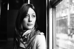 la plus belle (mickiky) Tags: portrait woman paris window beauty train blackwhite donna barbara ritratto treno biancoenero parigi finestrino