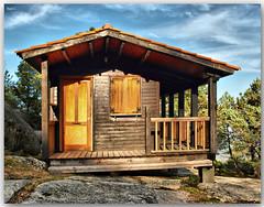 Cabaña (Nati C.) Tags: monte construcción pontevedra hdr tui cabaña parquenatural aloia