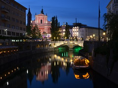 Veerna Ljubljana/ Evening Ljubljana (SilvyP (on and off)) Tags: bridge reflection lights evening view capital slovenia ljubljana ljubljanica plenik veer triplebridge tromostovje lui odsevi franikanskacerkev mygearandme silvyp