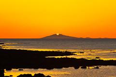 Sólsetur / Sunset behind the glacier (geh2012) Tags: sunset sea sun explore snæfellsjökull sjór sól fjara geh seltjarnarnes sólsetur mygearandme dblringexcellence tplringexcellence