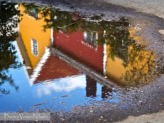 Colorful_houses_in_a_puddle (Voss-Nilsen) Tags: street city homes reflection building home water oslo norway by architecture canon buildings reflections geotagged puddle photography norge photo pond gate europa europe norden domestic nordic archetecture arcitecture scandinavia ponds puddles huset kampen hus vann gamle arkitektur architectura refleksjon bybilder fasade stlandet bygning geografi trehus skandinavia bygninger geotagget bolig bydel gatebilder vannspeil digitalfoto bolighus byggninger vannspeiling fasader gatebilde byggning slepytt boliger oslobilder bybilde vanndam gatefoto trehusbebyggelse vannflate refelksjon vannflaten husfasader slepytter bomilj boligstrk vanndammer vannspeilinger