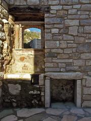 Centro storico di Molinara (Antonio De Capua) Tags: earthquake alley ruins stones fortifications vicolo pietra middleages borgo medioevo rovine terremoto cintamuraria fortificazione definsivewalls
