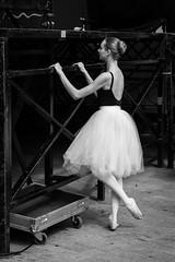 Music box ballerina / Bailarina de caja de msica (EwarArT) Tags: bw ballet byn female spain ballerina performingarts dancer bn alava anonymous bnw euskadi basquecountry bailarina vitoriagasteiz ballerinamusicbox ewarart asbailavitoria2016