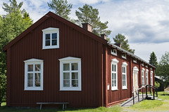 Old swedish house (Helen Lundberg Photo) Tags: old summer building history museum wooden sweden outdoor large swedish redhouse historical openair gammelstad lule hgnan friluftsmuseum
