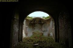 Temple decayed (Albyphoto) Tags: church dark chiesa urbana fantasma chiuso buio urbex abbandono abbandonato crollo decaduta esplorazione