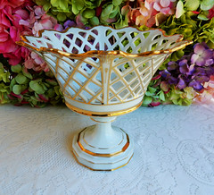 Old Paris Porcelain Corbeille Footed Fruit Bowl ~ White ~ Gold (Donna's Collectables) Tags: old white paris fruit gold bowl porcelain ~ footed corbeille