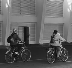 (andrei030) Tags: street people blackandwhite bw españa blancoynegro valencia spain streetphotography personas bicicletas bycicles