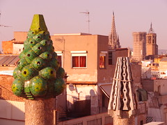 rbol y cebra (Joan Pau Inarejos) Tags: arquitectura arte esculturas catedral colores escultura gaud formas modernismo multicolor modernisme surrealismo palaugell barrigtic barcelonaciudad barcelonaciutat barcelona2012 barcelonaabril2012 pedralbesypalaugell2012