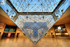 Diamond (A.G. Photographe) Tags: paris france apple french nikon raw louvre ag napoleon nikkor fx pyramide hdr parisian carrousel anto iphone louisxiv parisienne xiii parisien photomatix 1424 inverse d700 antoxiii hdr7raw agphotographe