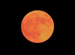 Super Moon_2012_05_05_0009m1 (FarmerJohnn) Tags: cloud moon lake reflection water night clouds canon suomi finland may super calm silence midnight moonlight vesi kuu y laukaa jrvi pilvi keskinen maymoon toukokuu tyyni keskiy kuutamo valkola vedenpinta hiljaisuus lakesurface canon7d supermoon heijatus anttospohja ef30040lisusm superkuu juhanianttonen supermoon5thmay2012