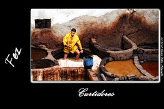 Curtidores en Fez (Cstor Villar) Tags: voyage travel viaje photography photo foto photographer mc viajes fez marruecos marroc fes fotografo fas marroco fotografos curtidores  almamlaka almagrib     cstor fotografosdeboda clasesdefotografia  nikonflickraward fs   cstorvillar castorvillar blinkagain fotografosenvigo reportajesdebodaenvigo cursosdefotografiaenvigo clasesdefotografiaenvigo marrocc villarsabucedocstor castorvillarfotografia marruecospordescubrircom wwwmarruecospordescubrircom curtidoresdefez marruecosfotograficoes clasesdefotografiaenvigovillarsabucedo castorvillarfotografiaes fotografasocialenvigo wwwcastorvillarfotografiaes almagribiy