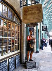 London. Covent Garden Market (R come Rit@) Tags: city london pub markets shops stores londra citta negozi coventgardenmarket ritarestifo
