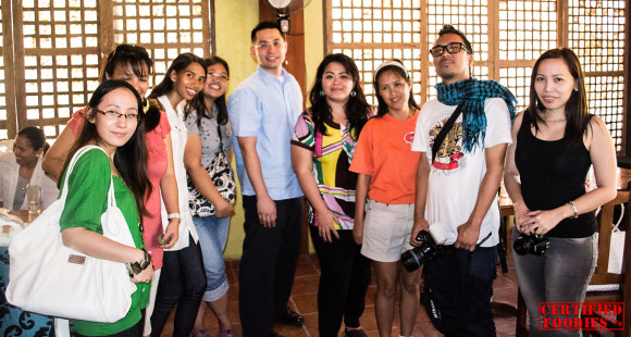 Bloggers with acting City Mayor Lenlen Oreta