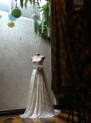 Vestido Julie London em renda Chantilly (A MODISTA LOJA) Tags: wedding love beautiful modern vintage bride couple heart amor style valentine retro amour valentines romantic bouquet casamento bridal mariage casal namorados liebe noiva vintagestyle atelier fiancee bridalfashion retrostyle buquet mariee vestidodenoiva vintageweddingdress vintagewedding vestidovintage modernwedding casamentonafazenda casamentoaoarlivre retroweddingdress amodista vintagebridal retrowedding casamentonapraia vfashion casamentonocampo vestidoretro vestidadenoiva lojaamodista vestidonoiva atelieramodista moderncouple retrobride retrobridal atelierdenoiva vestidodenoivavintage noivavintage vintagemariage noivaretro casamentodiurno casamentonosito vestidodetule vewstidodenoivaretro noivatule vestidodenoivatule retrostylebride