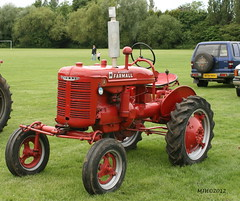 Farmall Tractor (mickyman13) Tags: tractor canon eos farm transport vehicles peterborough cambridgeshire farmall farmalltractor vehcile whittlesey 400d vehciles alltypesoftransport