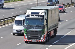 Eddie Stobart 'Olivia Tzania' (stavioni) Tags: truck reading volvo olivia group lorry eddie trailer fh m4 esl stobart fh4 kx14lxj h4107 tzania
