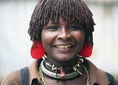 Mujer de la tribu Hamer en el mercado de Dimeka (Sur de Etiopa), 2010. (Luis Miguel Surez del Ro) Tags: hamer tribu etiopa etnia dimeka
