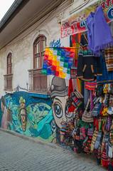 Grafitis y artesania (Andrs Photos 2) Tags: streets bolivia ciudad lapaz calles altiplano sudamerica elalto lasbrujas