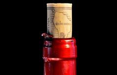 VINO ARGENTO (ala_j22) Tags: red bottle rojo publicidad wine drink cork bodega cave corcho pleasure sentidos botella vino bebida malbec calidad sello producto etiqueta sommelier inscripcion nikon60mm degustacion nikond7000
