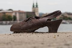 (Fjola Dogg) Tags: city canon river memorial europe hungary capital budapest warmemorial danube evropa fljt bdapest budapete g7x evrpa ungverjaland shoesonthedanube fjoladogg dn fjladgg canonpowershotg7x