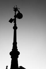 Straenlampe (Pascal Volk) Tags: blackandwhite bw white black berlin streetlight streetlamp sw schwarz berlinmitte weis schwarzweis artinbw strasenbeleuchtung behrenstrase sonydscrx100
