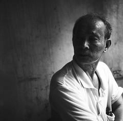 ng Thi (Hanoi L i f e A r t) Tags: hanoi hanoilifeart vietnam people analogphoto filmcamera photography streetlife mediumformat new asia art tuanducpham portrait