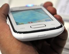 Samsung Galaxy Pocket in white