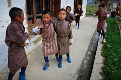 School friends (Lil [Kristen Elsby]) Tags: travel school friends boy boys topf25 children friend uniform asia child play friendship bhutan run editorial gho reportage schoolboy topv6666 schoolboys travelphotography phobjikha phobjikhavalley canon5dmarkii beytacommunityschool