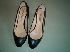 5689444887_a2e56bd71b_z (grandmacaon) Tags: pumps highheels stilettos lowcut talonsaiguille escarpins sexyheels hautstalons toescleavage
