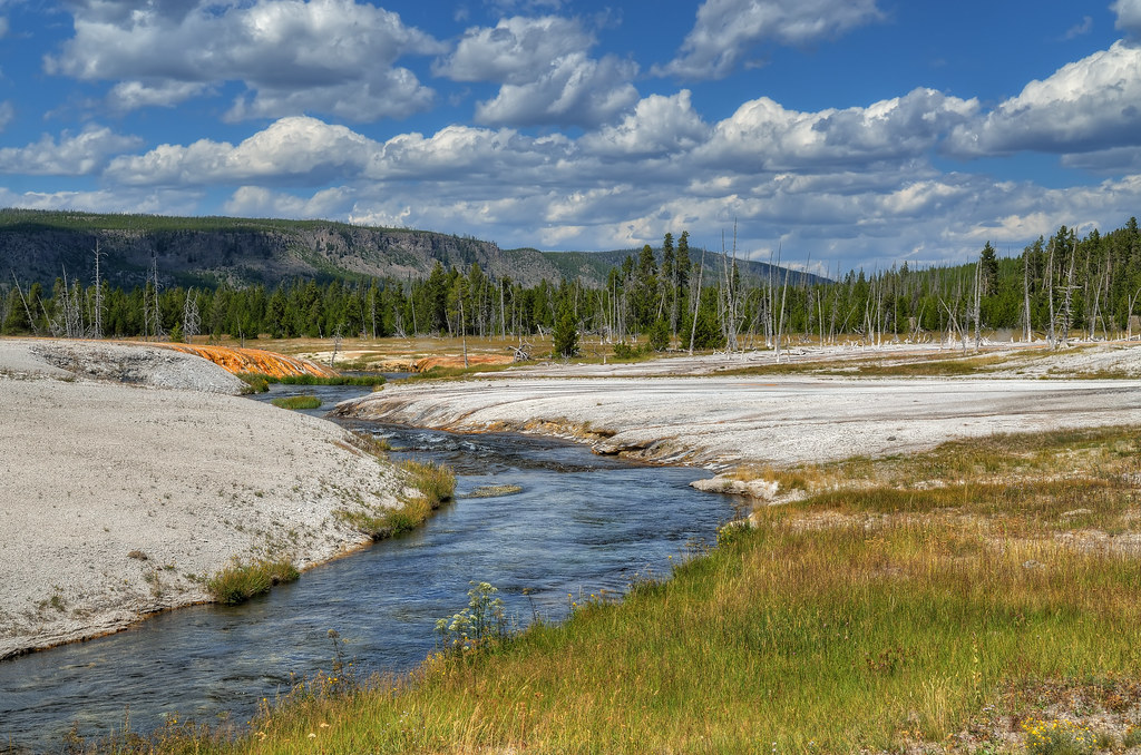 Firehole River in Black Sand Basin, Yellowstone / 黃石公園的火洞河