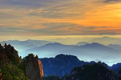 Sunrise & Mt.Huangshan