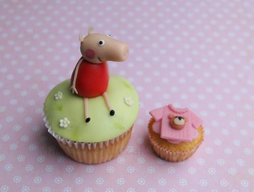 standart cupcake  vs  mini cupcake